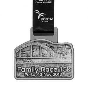 metal badge prestige custom made medals-family race porto 2013 medal