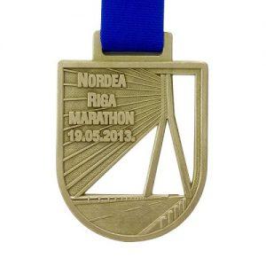metal badge prestige custom made medals-nordea riga marathon 2013 medal