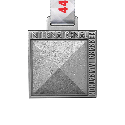 Metal-badge-and-button-prestige-medals-44th-International-Ferarra-marathon
