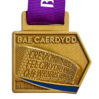 Bae-Caerdydd